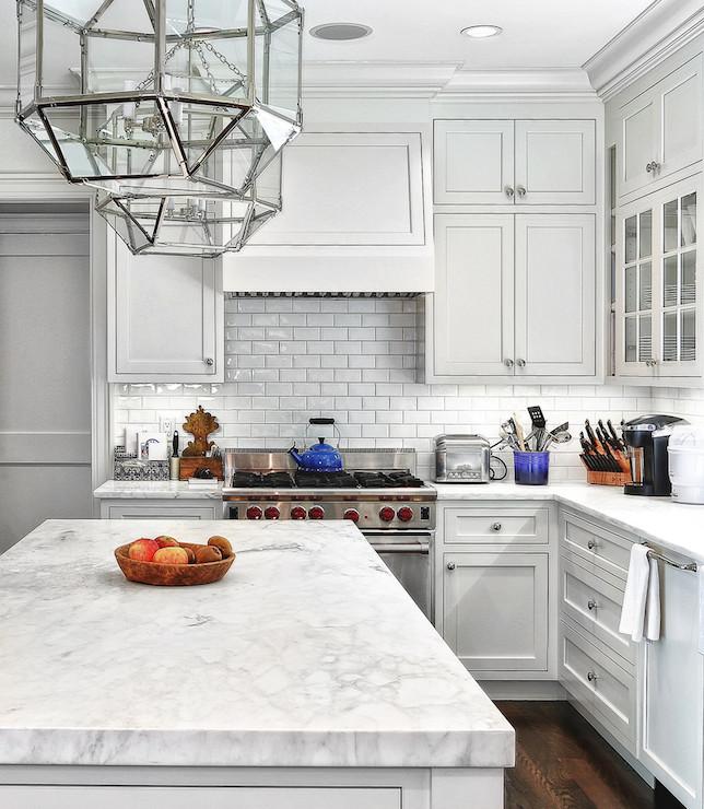 Kitchen with subway tiles type